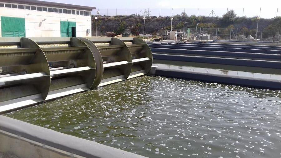 Las bacterias : vitales para el tratamiento de aguas residuales
